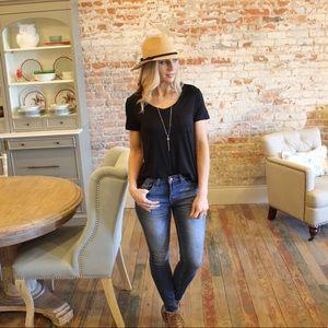 Medium denim skinny jeans with frayed hem